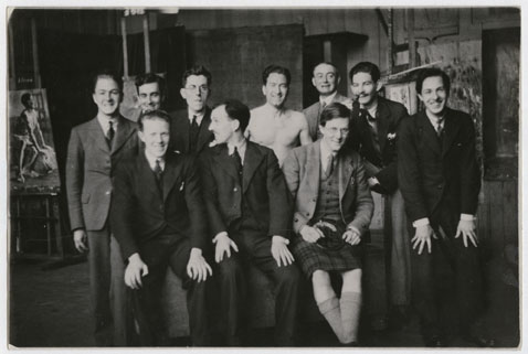GSAA/P/1/851 Students with life model (centre), 1930s